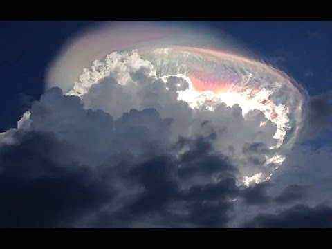 #RainbowCloud Phenomenon is caught on Camera in Costa Rica (Cloud Iridescence)