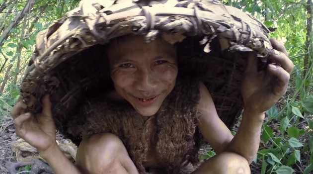 Surviving in the jungle with #Vietnamese #Tarzan | Ho Van Lang