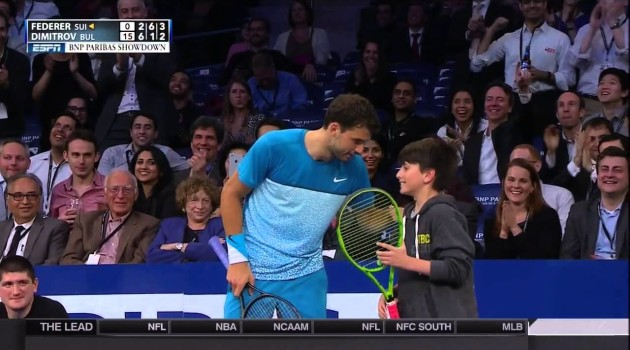 Young Fan Beats Roger #Federer On Overhead Lob At MSG Exhibition